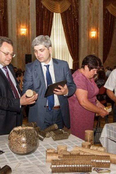 Sute de producători şi utilizatori de biocombustibil au participat la primul Forum Naţional BIOENERGETICA REPUBLICII MOLDOVA