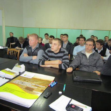 Proiectul Energie şi Biomasă a participat la o discuţie publică cu studenţii facultăţii de energetică, în cadrul Săptămânii ONU